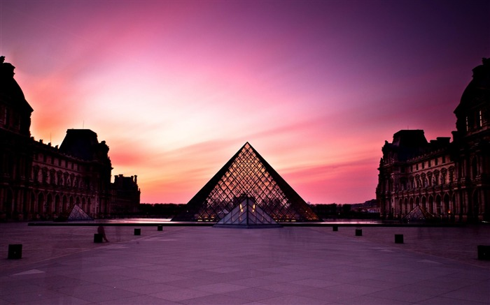 Louvre Museum-City Landscape Wallpaper Views:6584