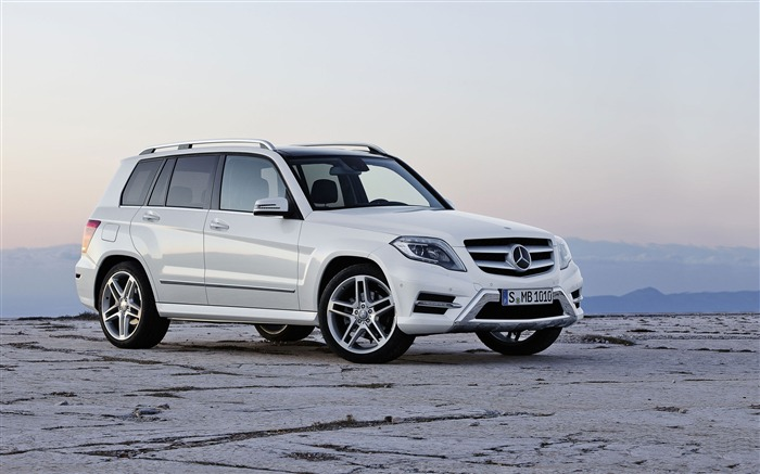 Mercedes-Benz GLK HD Car Wallpaper Views:11238