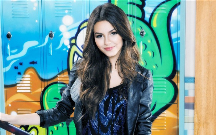 Victoria Justice-beauty model photo wallpaper Views:9390