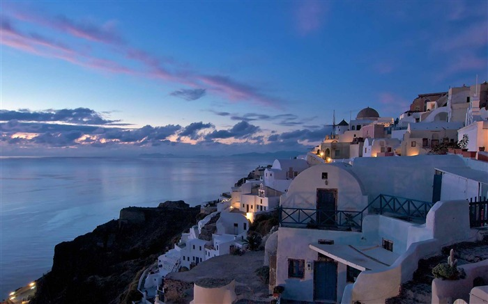 after sunset in the village of Oia-Landscape photography wallpaper Views:5111