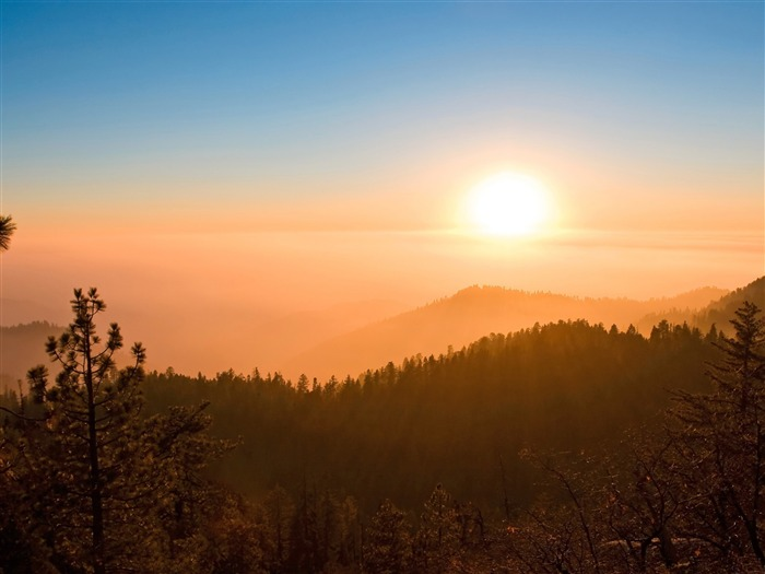 foggy sunset-Mountain scenery wallpaper Views:5899