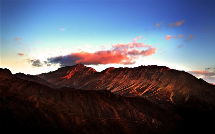 red mountains-Mountain scenery wallpaper Views:4087