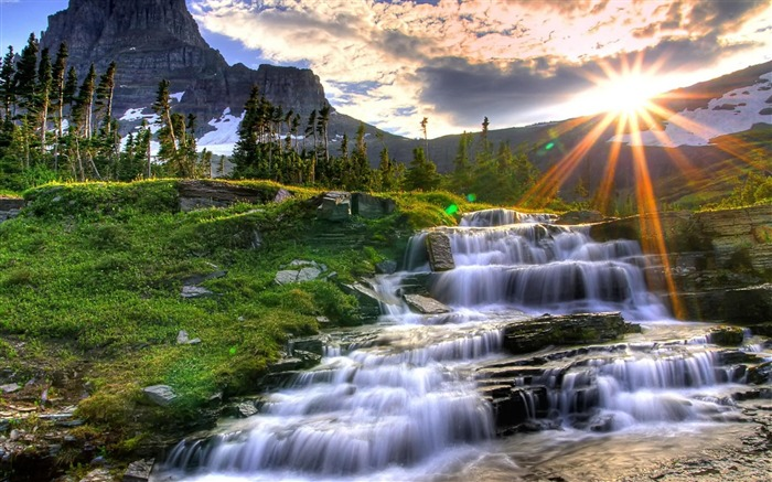 small mountain waterfall-Landscape photography wallpaper Views:4168