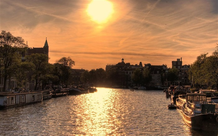 amsterdam canals-natural landscape wallpaper Views:5488