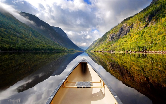 canoe river mountain-natural landscape wallpaper Views:6460