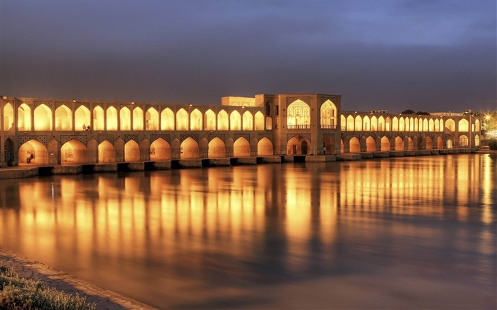 khaju bridge at dusk isfahan-Iran landscape wallpaper Views:16773