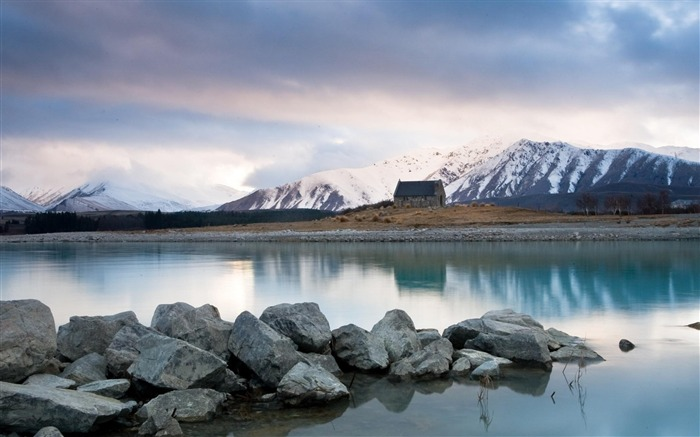 lake tekapo lake house snow-natural landscape wallpaper Views:5703