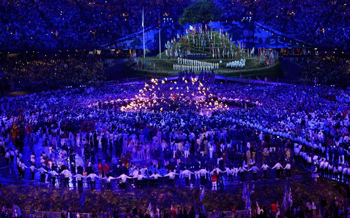 Lighting The Way-London 2012 Olympics opening ceremony Wallpaper Views:4600