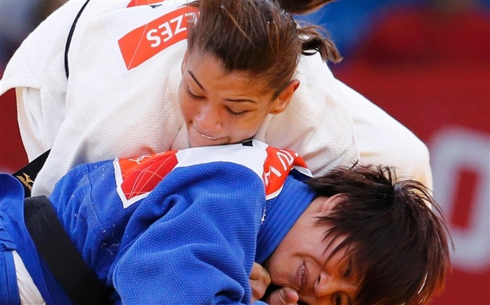 Sarah Menezes Champion Wrestling Brazil - London 2012 Views:4013