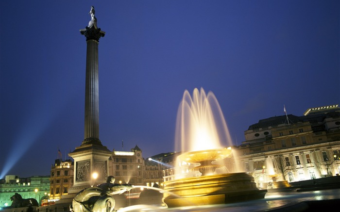 Trafalgar Square fountain -London Photography Wallpapers Views:3840