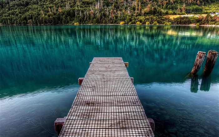 bridge on the lake-High Quality wallpaper Views:5834