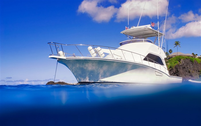 yacht clear blue ocean-Summer landscape wallpaper Views:13372