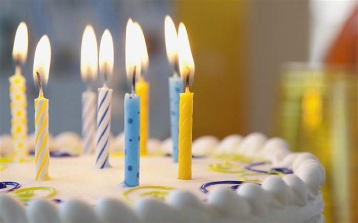 Birthday cake Candles-High Quality wallpaper Views:36391
