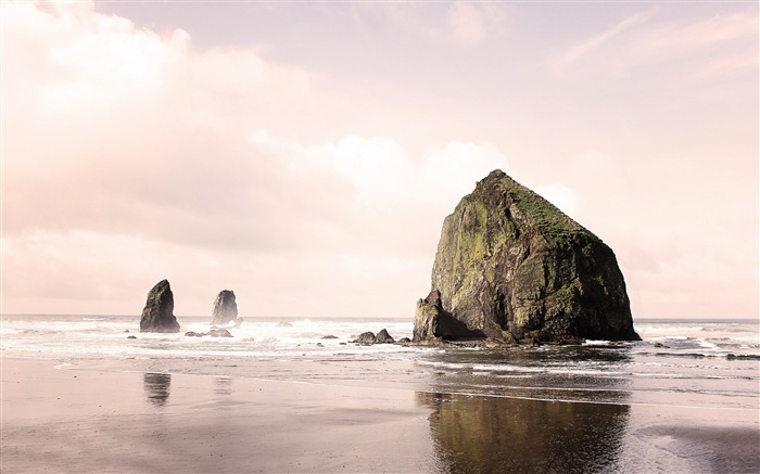 Cannon Beach-Nature Landscape Wallpapers Views:4983