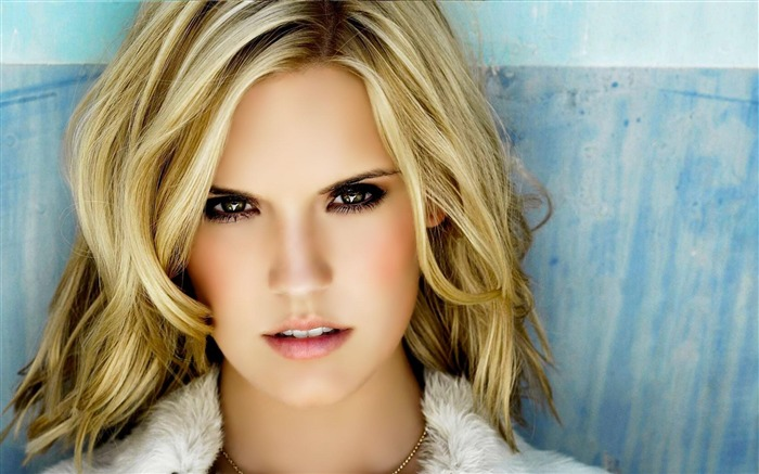 Maggie Grace Actor-Beautiful photo wallpaper Views:13177