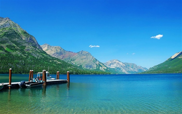 Waterton Lakes National Park-Nature Landscape Wallpapers Views:9372
