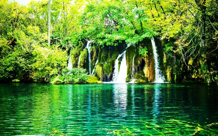 waterfalls-Nature Landscape Wallpapers Views:21263