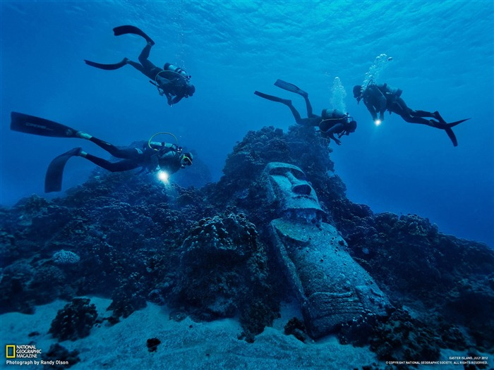 Divers Easter Island-National Geographic photography wallpaper Views:12895