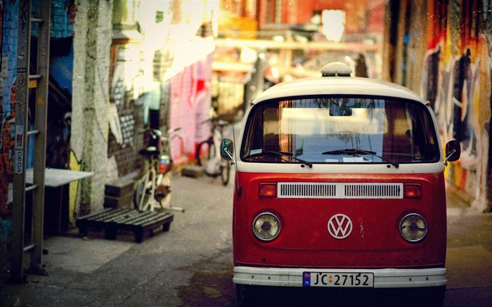 Volkswagen Bus Red-Cities architectural Wallpaper Views:21666
