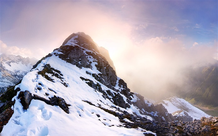Majestic mountain scenery Desktop Wallpapers Views:9306
