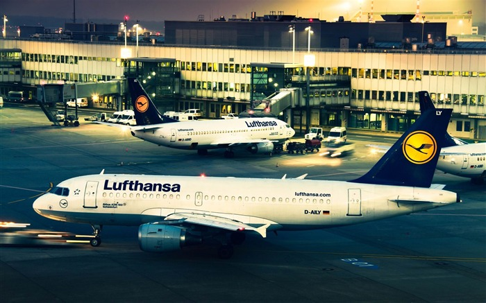 lufthansa airplanes-airplane Wallpapers Views:9410