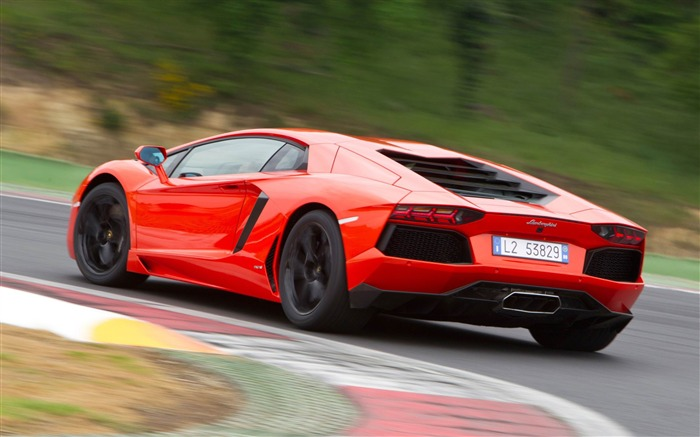 2012 Lamborghini Aventador LP700-4 Auto HD Wallpaper 05 Views:4596