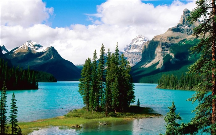 maligne lake-amazing natural scenery wallpaper Views:8080