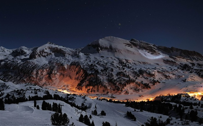 ski slopes at night-amazing natural scenery wallpaper Views:7082