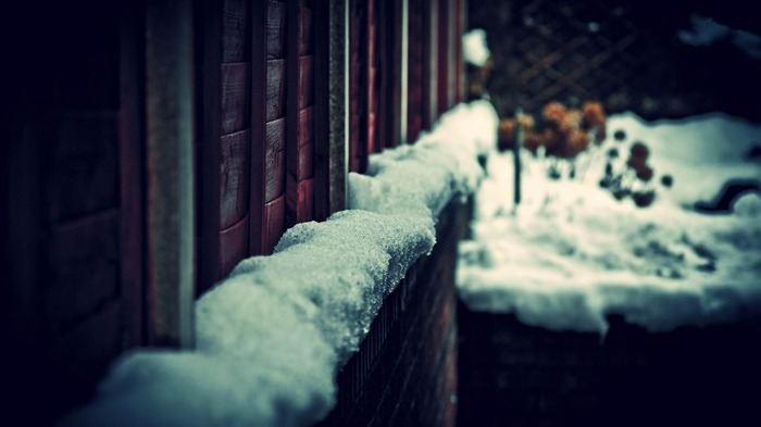 snow on house wall-Photography World Wallpaper Views:2990