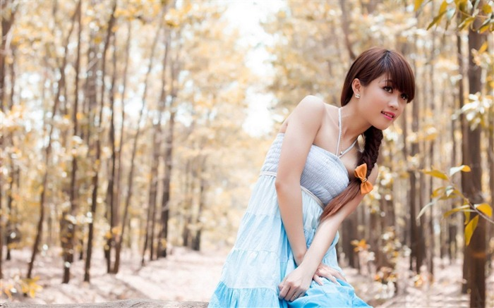 forest girl-2013 pure beauty photo wallpaper Views:6846