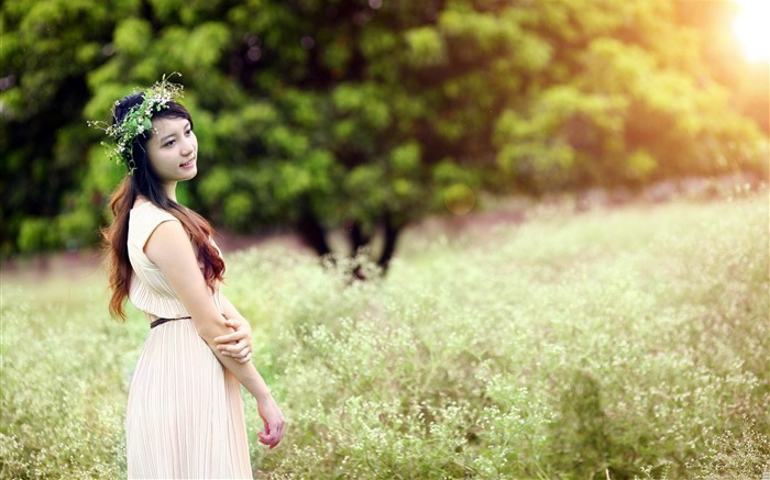 forest girl-2013 pure beauty photo wallpapers Views:6799