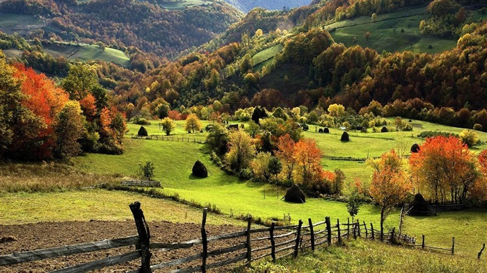 hills in the countryside-natural scenery widescreen wallpaper Views:30472