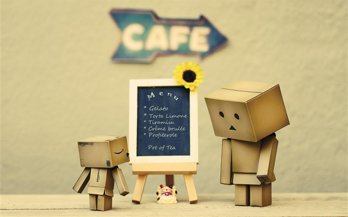 cafes mood-Danboard boxes robot photo HD Wallpaper Views:31673