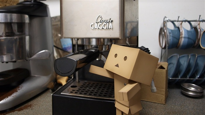 coffee maker kitchen cups-Danboard boxes robot photo HD Wallpaper Views:4702