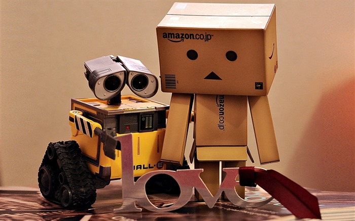 couple love resentment-Danboard boxes robot photo HD Wallpaper Views:6672