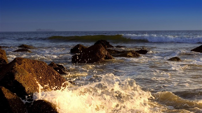 tones sea waves splash-Natural landscape HD wallpaper Views:2608