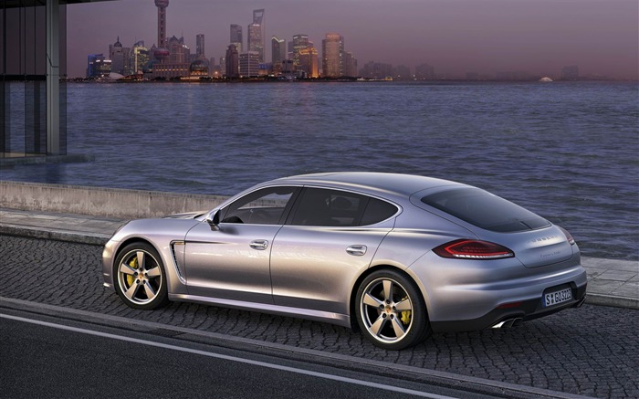 2014 Porsche Panamera Auto HD Desktop Wallpaper Views:8443