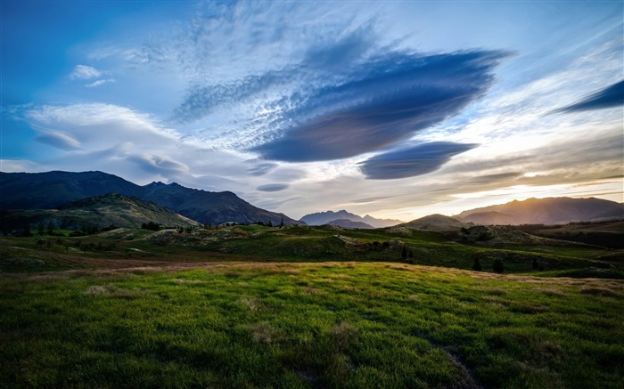 the fields of the queenstown valley-Beautiful natural scenery wallpaper Views:2587