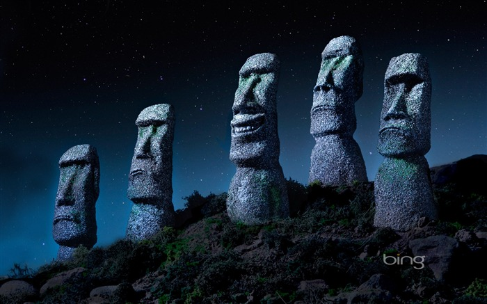Giant stone in the under the stars-May 2013 Bing wallpaper Views:5573
