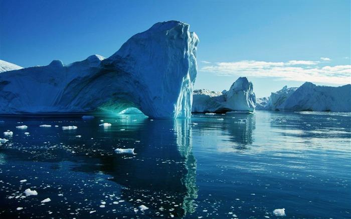 big blue icebergs-Landscape widescreen wallpaper Views:3976