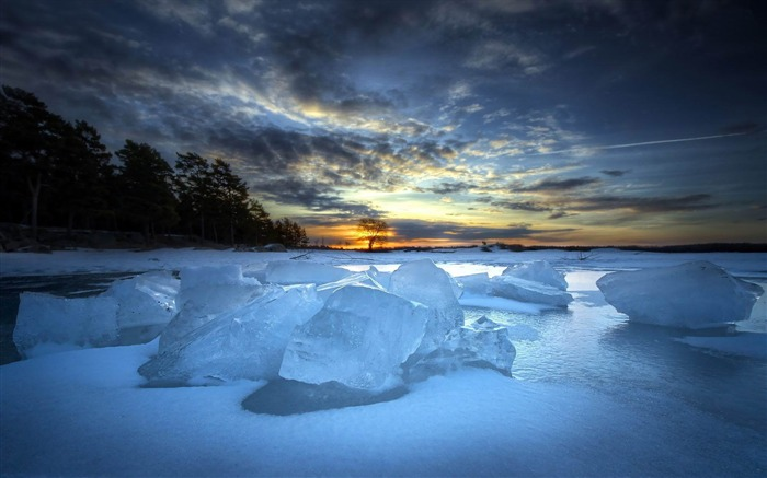 frozen river-Landscape widescreen wallpaper Views:3172