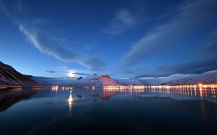lake lights reflection-Landscape widescreen wallpaper Views:2937