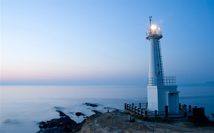 lighthouse at sunset-Beautiful natural landscape wallpaper Views:3773