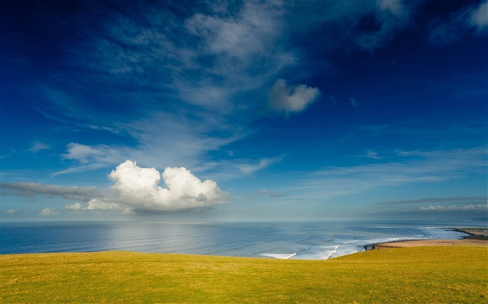 ocean meadow glade land blue green-Beautiful natural scenery wallpaper Views:4328