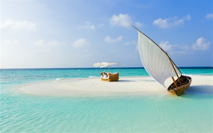 Beautiful beach leisure boats-Summer landscape HD wallpaper Views:14547
