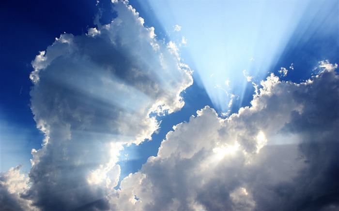 Sunshine through the clouds-Linux Mint 15 Olivia HD Wallpaper Views:7251