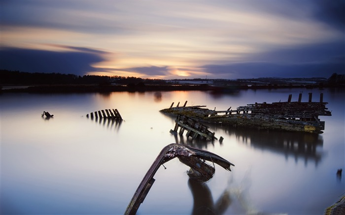 wooden wreck-Landscape Pics HD Wallpaper Views:2383