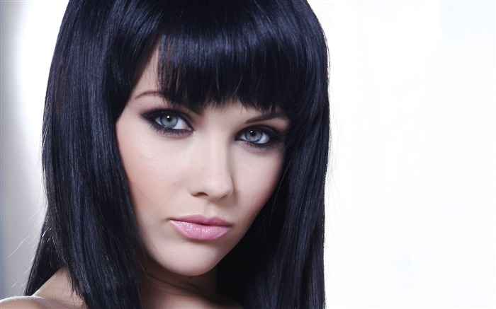 brunette eyes hair bangs-Beauty photo HD wallpaper Views:3147