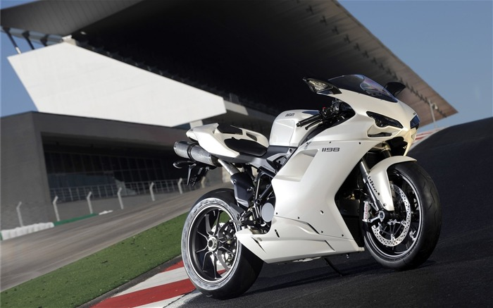 ducati-Bike Motorcycle HD Wallpaper Views:4177