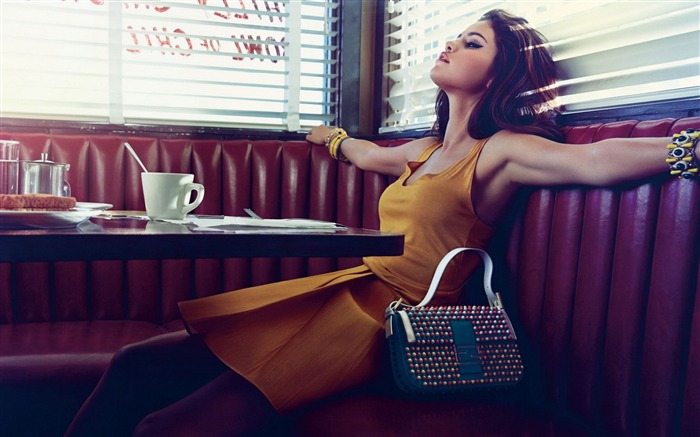 selena gomez restaurant bag-Beauty photo HD wallpaper Views:1593